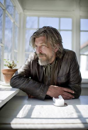 Karl Ove Knausgårds debutroman ges nu ut på svenska.