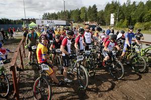Mountainbiketävlingen delades in i tre lopp: 30 kilometer, 15 kilometer och ett lopp för barn.