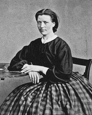 Barnmorskan Johanna Bovall Hedén hade sin första tjänstgöring i Huså och Kall och blev sedan den som startade barnmorskeförbundet.