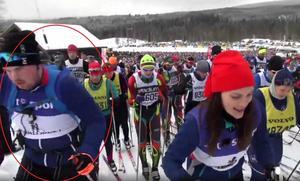 Adam Karlsson och Brita Zackari på väg uppför första backen.