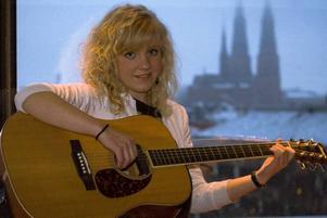 I FINAL. Ida Wiklund, Örbyhus, deltar i länsfinalen av Musik Direkt.Foto: Jocke Bispfors