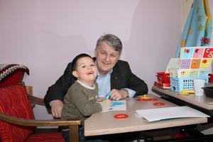 Lennart Eriksson, Hoppets Stjärnas verksamhetschef, har tilldelats den åtråvärda titeln Riddare av Rumänien.