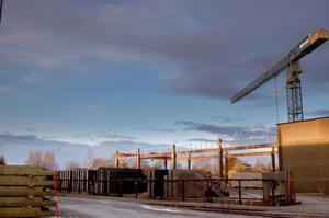 Sommaren 2008 var det cirka 180 personer som var sysselsatta på betongföretaget i Strömsund. Nu är det 89 anställda och till årsskiftet får ytterligare tre anställda gå.