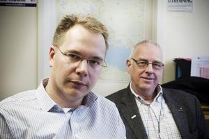 Joacim Olsson, vice förbundsdirektör vid Villaägarnas riksförbund och regionchef Håkan Lindén är kritiska till de höga nätavgifterna.