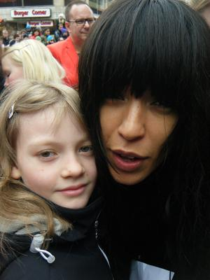 En glad Maja fick möta sin idol Loreen den 17 mars på sigmatorget.