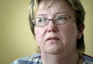 Fortsätter på deltid. Birgitta Stendalen fortsätter att jobba deltid hur framtiden än blir. För hennes del innebär ett borttagande av arbetstidsförkortningen mindre pengar i lönekuveret.