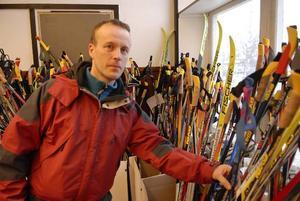 Letade. Jörgen Paulsson från Luleå letade efter sin stav.