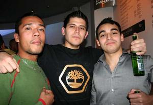 Pluto. Jaero, Victor och Matias