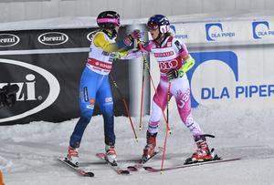 Frida Hansdotter tvingades ge sig mot Mikkaela Shiffrin i semifinalen.
