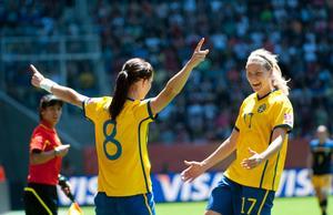 Lisa Dahlkvist gjorde mål igen och är i kanonform i VM.