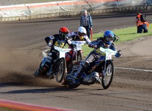 Linus Sundström och Tai Woffinden inledde med en femetta.