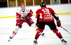 Niklas Lihagen i Vita Hästens tröja i en match mot Kumla i vintras.
