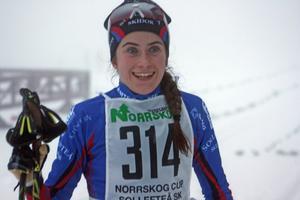 16-åriga skidlöftet Ebba Andersson körde in på en meriterande 5:e plats i damjuniorernas JVM-test i Idre.