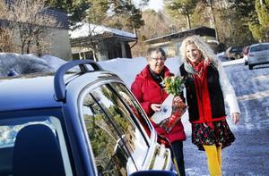 Vilken överraskning! Internationella kvinnodagens mest lyckliga kvinna heter Anita Olsson och kommer från Gävle. Anledningen: Postkodlotteriets Sandra Dahlberg knackade på dörren.