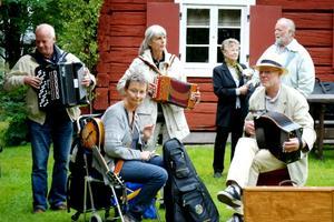 Färnboparadens minsta dragspel? Foto: Lina Svalbro