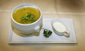 Köttfärssoppa med grönpeppar. Kan serveras med eller utan vitlöksyoghurt.