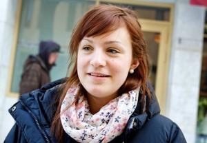 """Hanna Lindahl, 16 år, Östersund.– Molly Sandéns """"Så vill stjärnorna"""". Hon är duktig."""