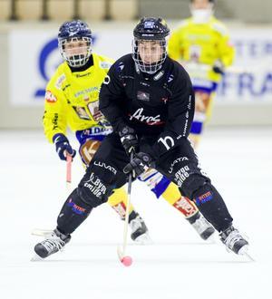 Tillbaka. Peter Winbäck fick kasta in handduken mot Villa-Lidköping. Men mot Edsbyn spelar mittfältaren.FOTO: ARKIV