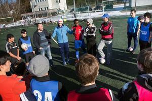 Kamratskap och disciplin. Fotboll är ett språk som talas i hela världen.