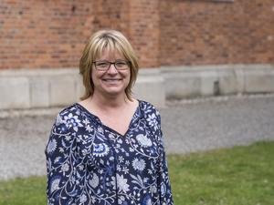 Ulrika Pettersson, 49 år, är första namn på Centerpartiets lista i valet till kyrkofullmäktige. Hon är tidigare lärare, numera skolbibliotekarie, och bor i  Björksta.