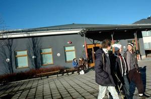 BLI BÄTTRE. Gymnasieorganisationen i Tierp, däribland Högbergsskolan, har fått mer pengar för att bland annat satsa på att locka fler elever till skolan.