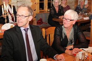 Inga hoppjerkor direkt som satt vid hedersbordet. Barbro Gunsth kan lägga 47 tjänsteår bakom sig. Hans Jansson nöjer sig med 41 år.