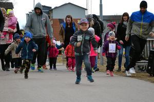 Även de yngsta kunde delta, i det nya loppet Lilla Omtankespringet.