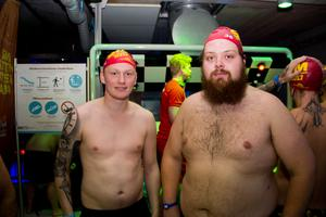 Martin Trogens och Kristoffer Norling är kompisar från Borlänge som har åkt till Västerås för att tävla i SM-finalen. De är båda två övertygade om att de kommer att slå varandra.