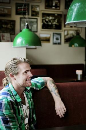 """""""Vi kom precis rätt i tiden och fyllde ett tomrum som fanns."""" Joacim är nöjd restaurangchef på Flippin Burgers i Stockholm."""