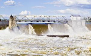 Återbäring av vattenkraften är något som skulle förbättra villkoren för glesbygden, tror signaturen Partilös.