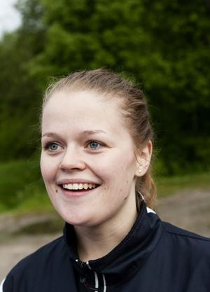 138 föranmälda och ett gäng efteranmälningar. Paulina Tomasdotter hade det hon gjorde under sprint-DM på torsdagskvällen i Njurunda.