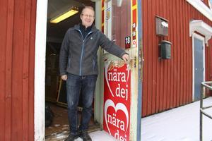 Om sisådär tre månader öppnar Anders Hjärtedal åter dörren till Nyfors Handel som varit stängd i fem år.