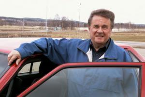 Ulfs pappa sålde Volvo-bilar i Edsbyn. Så väcktes Ulfs intresse för bilar. Under en 11-årsperiod ägde han i tur och ordning tre fina amerikanare.