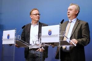 Kommunalrådet i Kalmar, Johan Persson (S) föresår ett undantagstillstånd för bostadsbyggande.