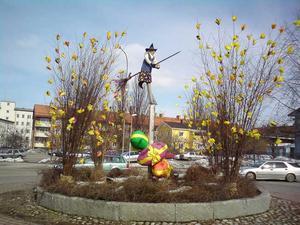 Här kommer en påskbild på en rondell i Avesta! Foto: Marina Södergren