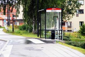 Karin och Hans Ungman vill att busslinjen Edsbyn (bilden)-Alfta-Falun kan gå åtminstone två dagar under veckan.