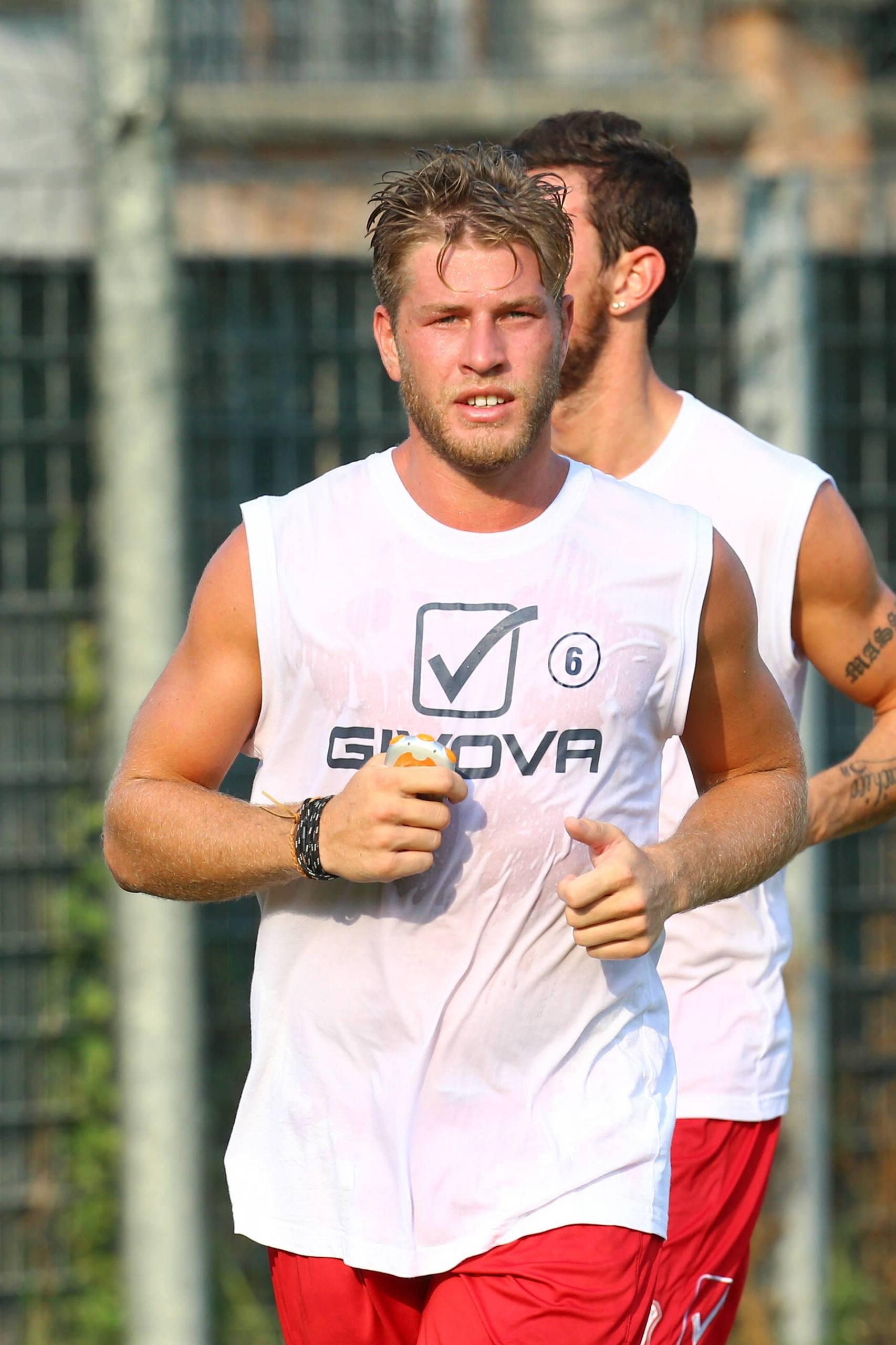 Enqvist blir proffs i italien men var