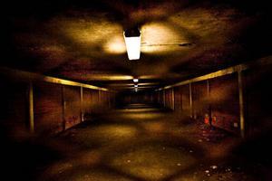 """Gångtunneln i Blackeberg har en central roll i """"Låt den rätte komma in"""".  Foto: SCANPIX"""