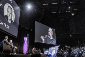 Daniel Ek, grundare av Spotify, intervjuas på Sthlm Tech Fest.