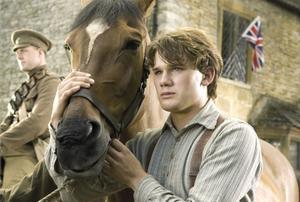 """I """"War Horse"""" skildras första världskriget genom hästen Joeys öde. Jeremy Irvine spelar Joeys förste ägare Albert."""