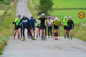 Juniorer och seniorer i Hudiksvalls IF åkte rullskidor på den årliga upptaktsträffen.