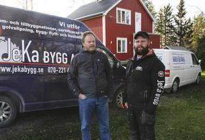 Kent Erlandsson och Jens Karlsson är företagare i byggbranschen och grannar i Myrviken. Härom natten utsattes de för stöld, bland annat försvann en hel del verktyg.