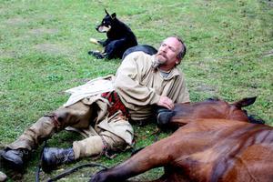 Pälsjägarna Douglas Listam hade ridit sju, åtta mil på två dagar han kom fram till Mosskriken på torsdagen.