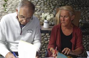 Alf och Karin signerar boken Paddal Historia & Historier