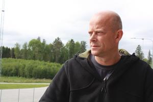 """Naturligt. För Lars-Åke Dickfors är det naturligt att hjälpa till i olyckssituationer. """"Det är varje människas skyldighet att hjälpa till""""."""