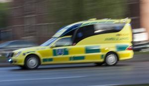 Ambulans under utryckning.