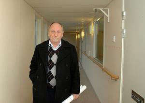 snart pensionär. Nuvarande vd:n för Ockelbogårdar, Bo Lindblad, går i pension senare i år. Åtta personer har sökt tjänsten. 25 maj hoppas man kunna presentera ett förslag på ny vd.