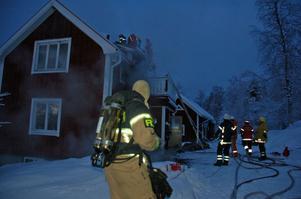 Räddningspersonal från Boda och Rättvik fick branden under kontroll.