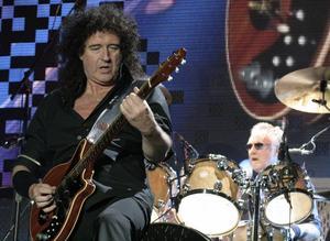 Queen, med Adam Lambert på sång, spelar på Sweden Rock Festival.
