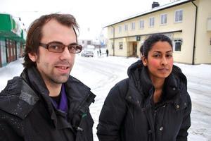 Andreas Johansson och Sunni Rahman från Sydnärkes miljöförvaltning kommer att besöka alla verksamhetsutövare inom livsmedelshantering i Lekebergs kommun.